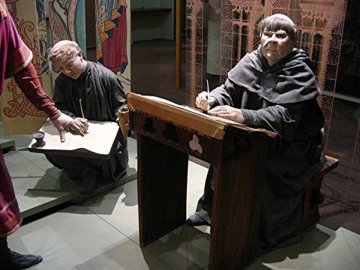 Display of monks at the Museum of Bayeux.