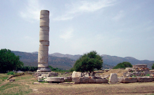 Still standing, the ancient pilar of Heraion reminds us of Samos' rich history