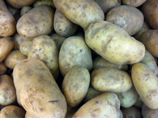 Buy potatoes and make the most of the nutritional values of this cheap food source