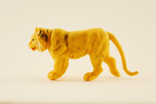 This little yellow lion gets a chic update
