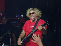 Sammy seems like he's doing just fine down in Cabo. Let's keep our fingers crossed for a Van Hagar reunion in the future.
