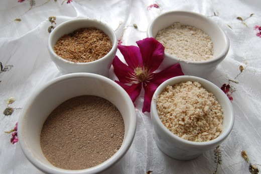Ground Almonds, Oats, Linseed and Rhassoul Clay