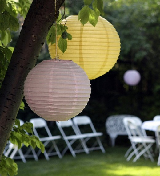 How to Incorporate Your Wedding Colors