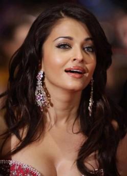 Aishwarya Rai in Pink Panther 2 pictures