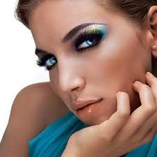 Blue or green eyes should have darker coloured shadow with a hint of blue, green or birght colours away from the pupil.
