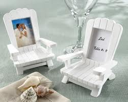 This is a good gift to thank the guests for being a part of your wedding.