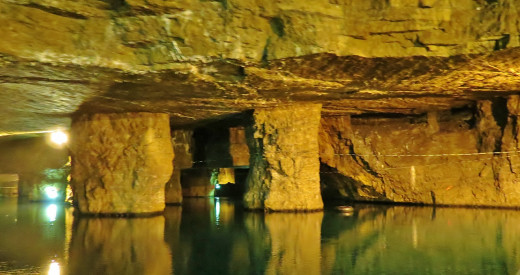 The largest subterranean lake in the United States