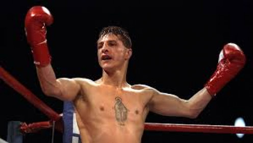 Johnny Tapia fought with heart and soul every time he entered the squared circle. Tapia fought from Flyweight up to the Featherweight division during his professional boxing career.