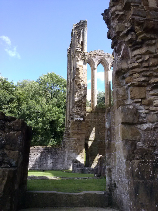 Rievaulx Abbey again, taking advantage of the late afternoon sun and the shadows it creates