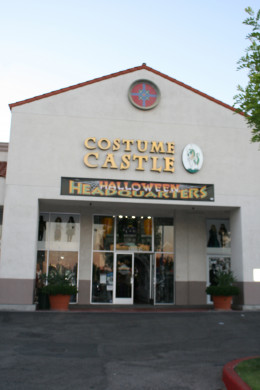 Located locally in Southern California, this Costume Shop is open all year for Rentals and all kinds of Costume Purchases as well as Outstanding and Unique Décor.