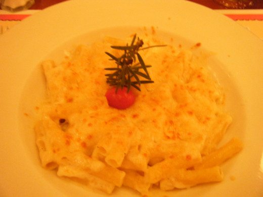 The 'fancy' mac and cheese at Chefs de France.