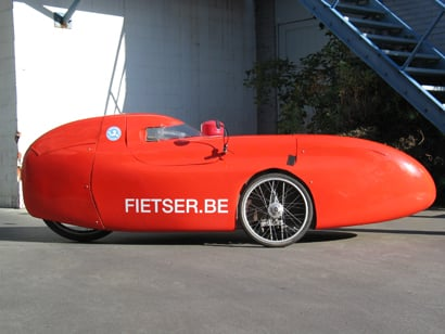 Red WAW Velomobile