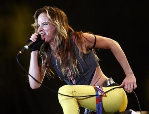 Julliette Performing with Juliette and the Licks