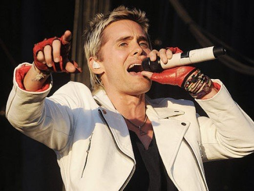 Jared performing with 30 Seconds to Mars