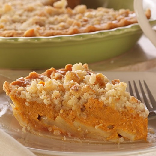 Apple Pumpkin Pie with Ginger-Streusel Topping