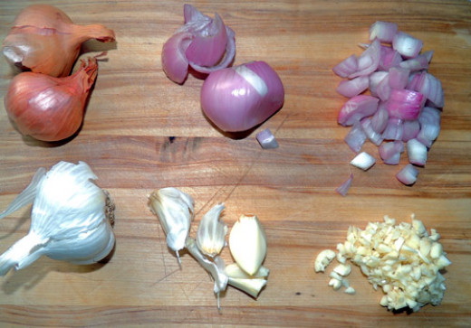 left to right, top to bottom: shallot & garlic prep. Keep the shallot chunks about ¼ inch in diameter, garlic minced more finely.