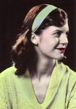 character analysis of esther greenwood in the bell jar by sylvia plath The bell jar study guide contains a biography of sylvia plath, literature essays, quiz questions, major themes, characters, and a full summary and analysis.