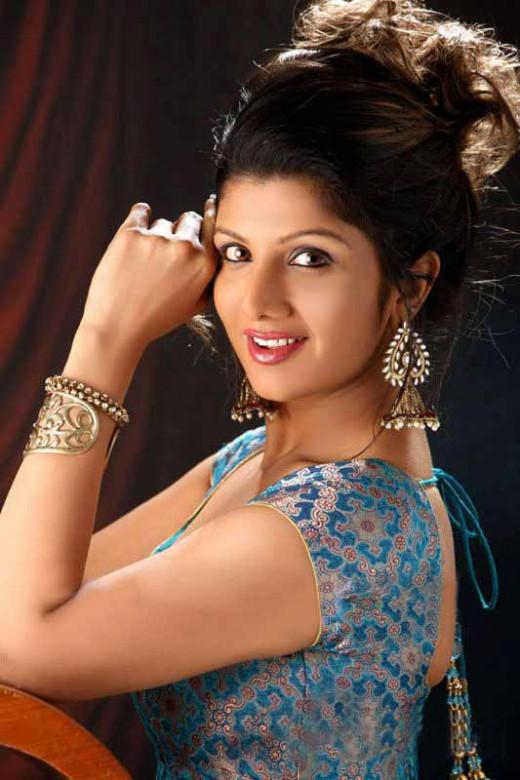South Indian Sexy Actress Rakul Preet Singh Hot Red Saree Photo Gallery