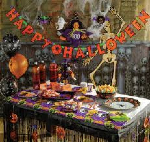 I love this Halloween Party Table setting