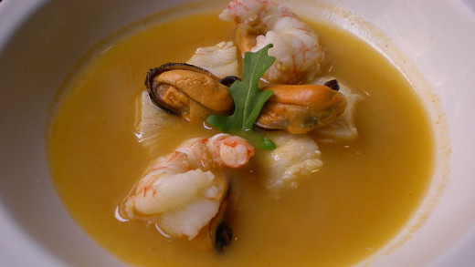 See three great recipes for spicy seafood soup