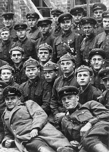 Soldiers of the 44th 'Kievan' Rifle Division, elite unit of the Ukrainian SSR.