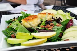 Goat Cheese Salad with Sliced Apples, Port Wine Reduction and a Honey Shallot Vinagrette