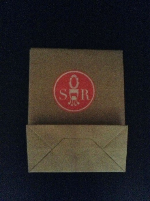 I loved their logo! It was neatly pack in an envelope like paperbag.