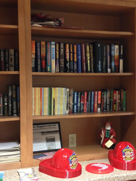 A full library is accessible to the firefighters.