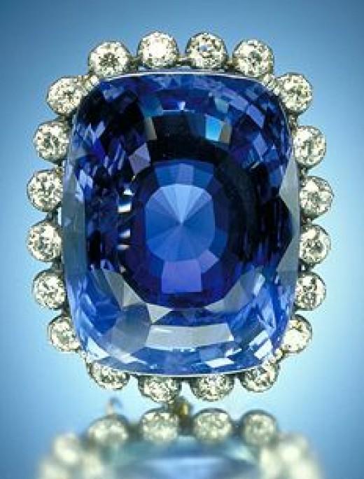 The 423-carat (85 g) blue Logan Sapphire
