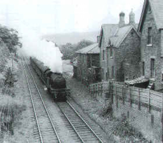 Slapewath - a V1/V3 hurries past Slapewath with a passenger working for Middlesbrough via nearby Guisborough and Nunthorpe