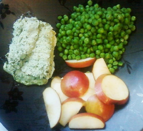My luncheon plate has tofu-collard casserole (upper left), steamed sweet peas (upper right), and fresh apple slices (lower center).