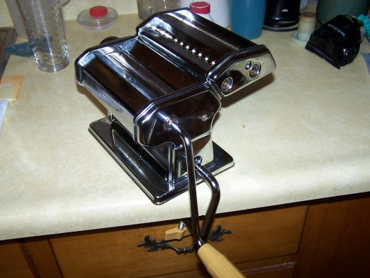 Photo of the pasta machine I use.