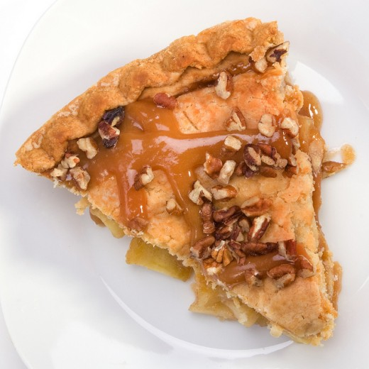 Crunchy Caramel Apple Pecan Pie