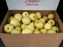 What's the good going price for a bushel of golden delicious apples?