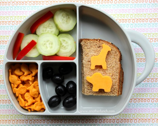 Easy lunch boxes can be appealing to kids and nutritious.