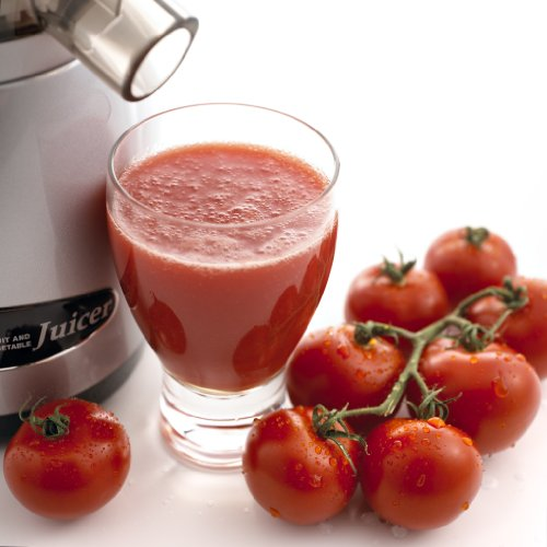 Omega VRT350HD Single Auger Masticulating Juicer With Tomatoes