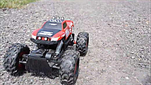 Maisto Rock Crawler Extreme Remote Controlled Vehicle