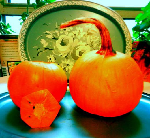 Use peak-fresh pumpkins to make pumpkin fondue for two.