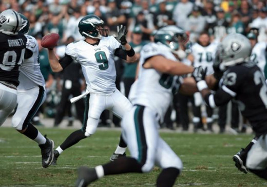 Nick Foles tying NFL record of 7 TD passes against Raiders