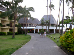 On the way to the Beach Bar & Grill for a sumptuous feast!