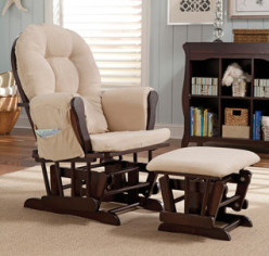 3 Best Budget Nursery Glider Ottoman Combos for Moms 2016