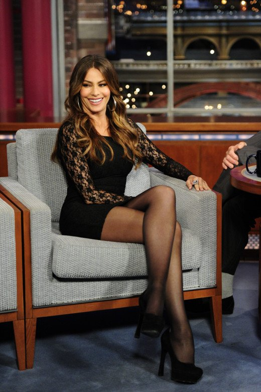 Sofia Vergara on late night talk in a sexy black lace dress and sky high heels
