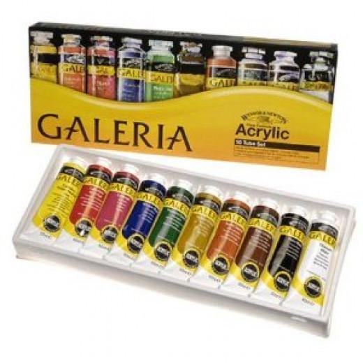 I use Windsor&Newtons Galeria Acrylic paints set.
