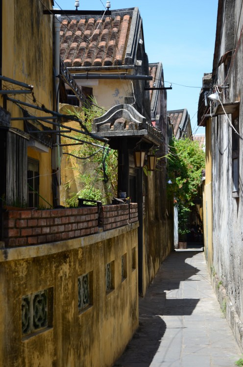 An alley way in the old part of Hoi An © A Harrison