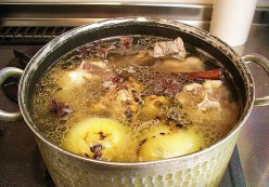 Homemade Chicken Stock Recipes and Beef, Vegetable, Seafood Broths
