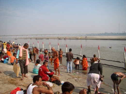 The holy dip in the river Gandak