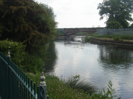 Upriver on the Lea from East London districts, Enfield Lock
