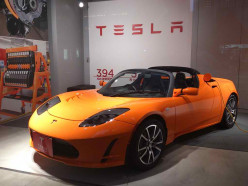 The electric sports Car: Tesla Roadster
