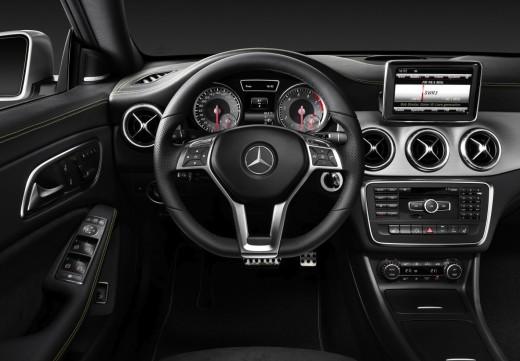 2014 Mercedes-Benz CLA: Interior