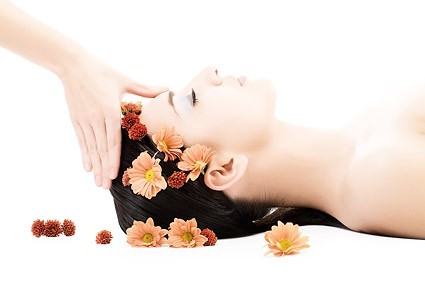 A face massage can help de stress and oxygenize your skin